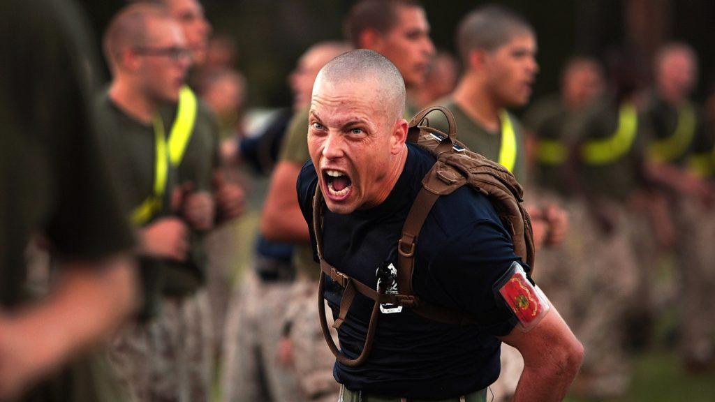 חייל באמצע פעילות